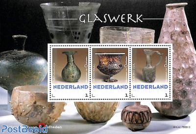 Rijksmuseum van Oudheden, glass 3v m/s
